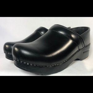 Dansko professional black leather clog shoes